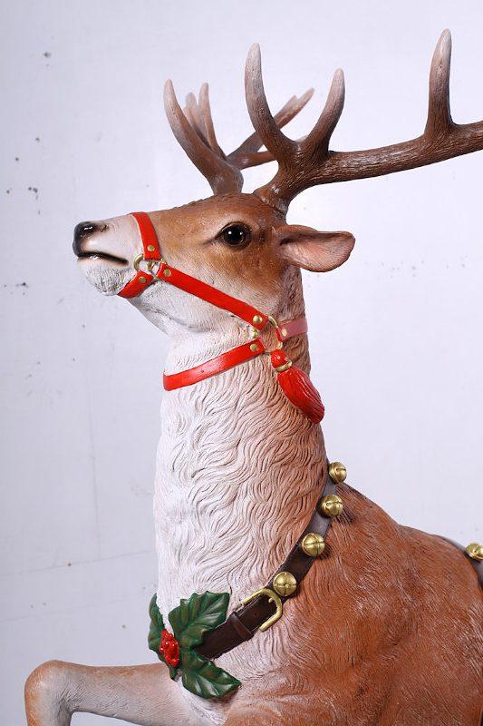 Renna di Babbo Natale in piedi e1590229551520
